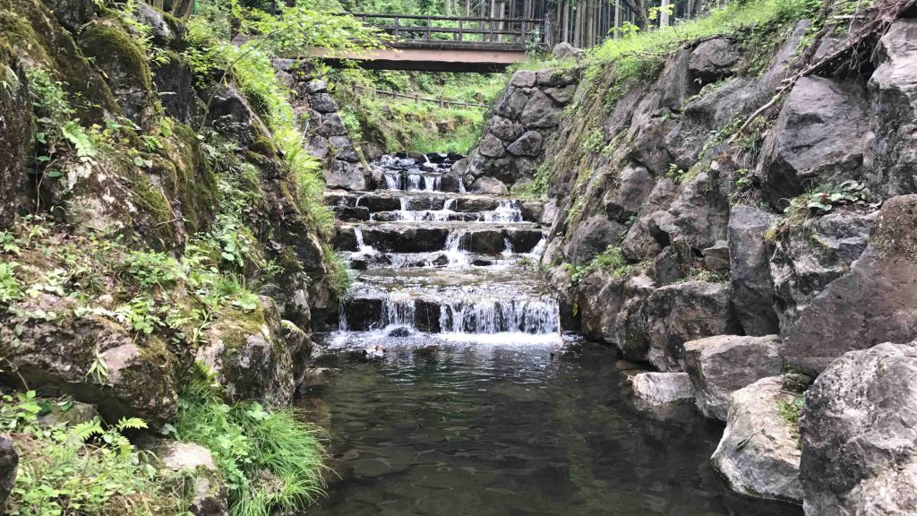 出流ふれあいの森キャンプ場の川は綺麗1