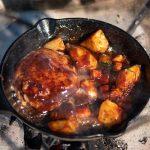 焚き火 煮込みハンバーグ